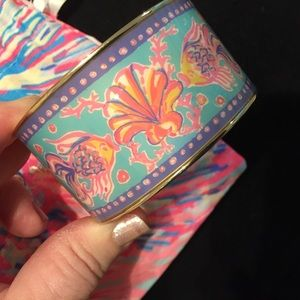 🌴Beautiful Enamel Bangle by Lilly Pulitzer🌴